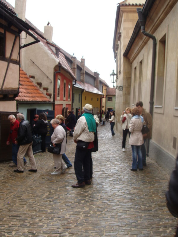 Прага Пражский град Злата уличка летом