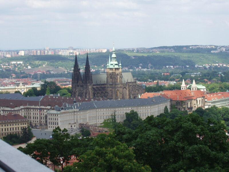 Вид на Пражский град и собор Святого Вита