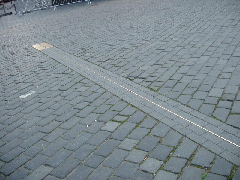 Меридиан на Староместской площади. Прага