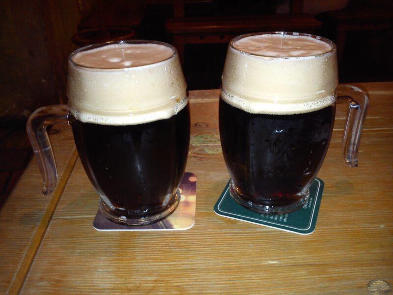 Чешское темное пиво Велкопоповицкий Козел