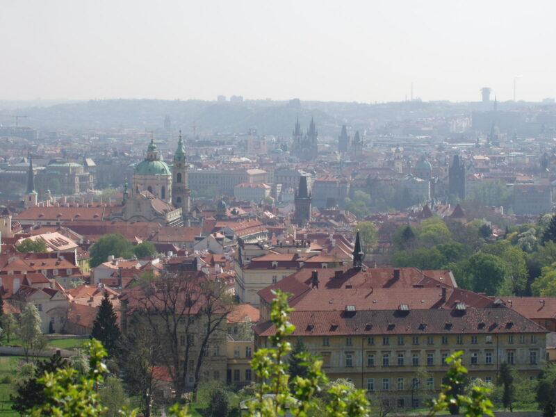 Стобашенная Прага в апреле