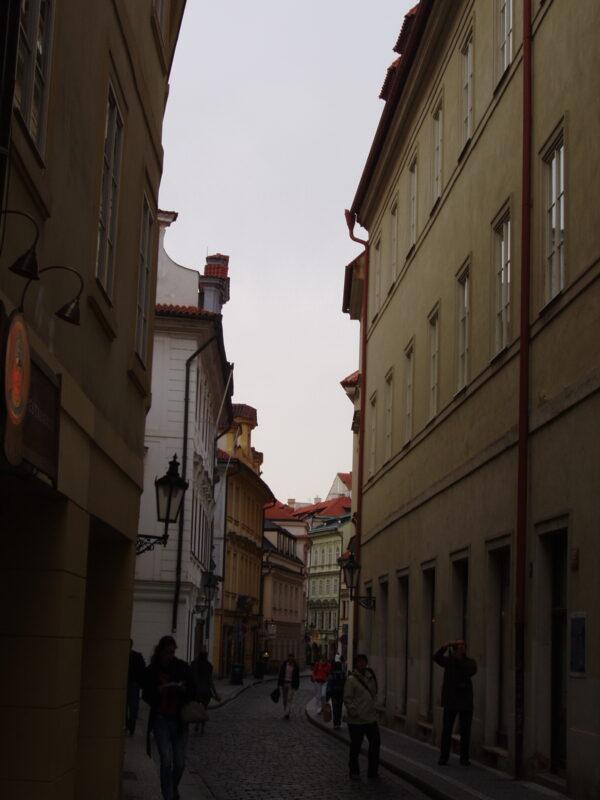 Узкие улицы центра Праги