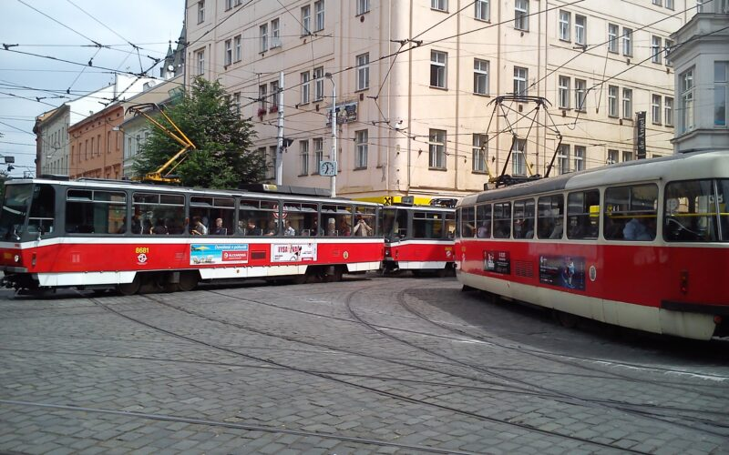 Разные трамваи в Праге